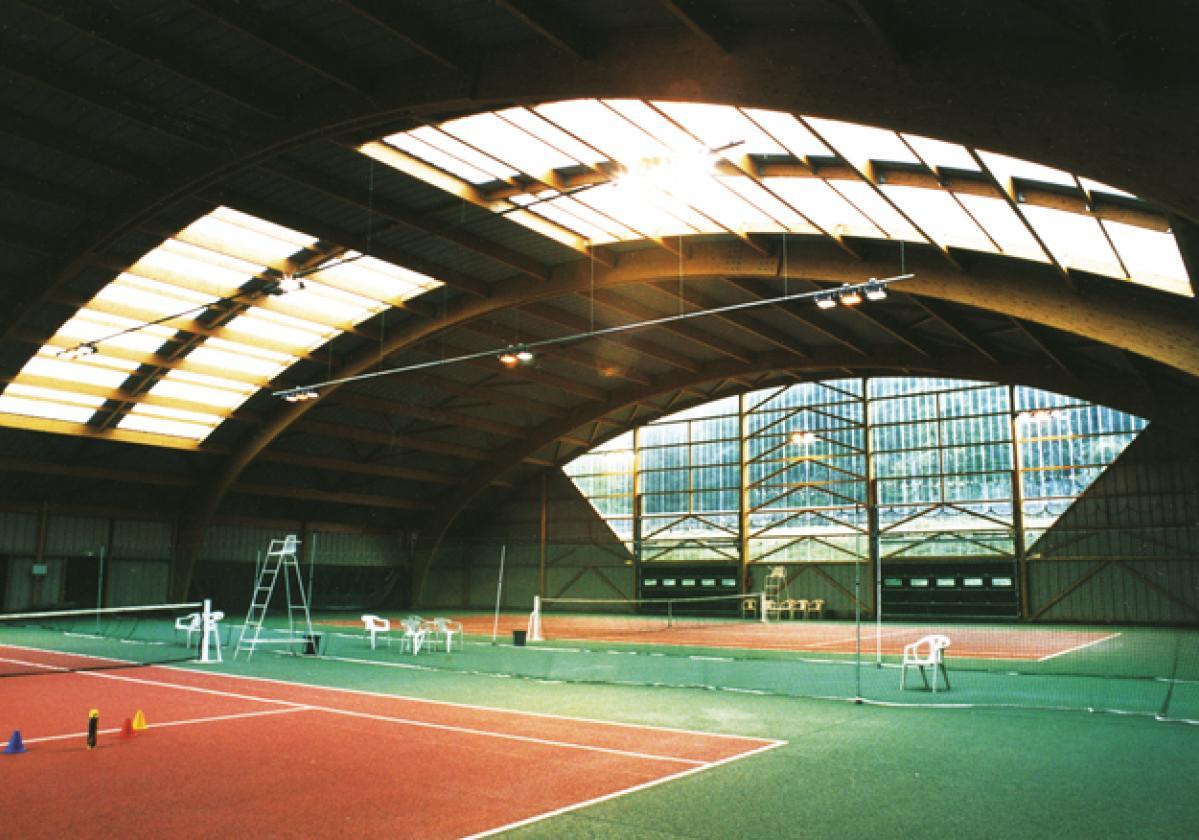 Impianto sportivo con copertura illuminante Onduclair PC